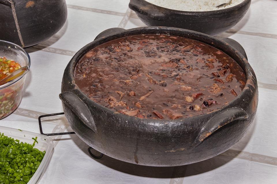 Conheça as principais comidas típicas do Brasil